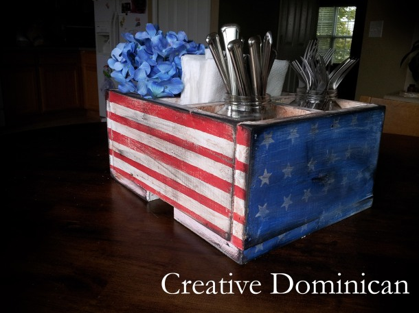 DIY Patriotic Silverware Caddy